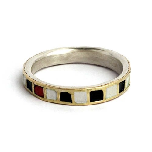 checkered ring in silver, 18k gold and enamel