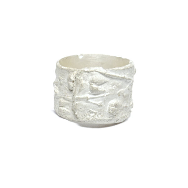 plant-residue-ring-L